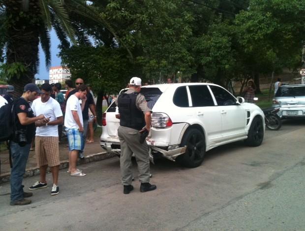 marcelo moreno carro acidente trânsito porto alegre grêmio (Foto: Luciane Kohlmann/RBS TV)
