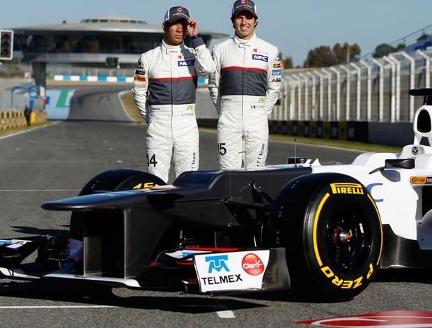 Kamui Kobayashi Sergio Perez lançamento sauber 2012 (Foto: Agência Reuters)