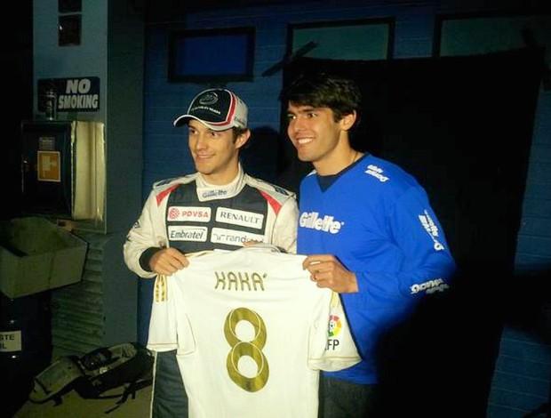 Kaká encontra com Bruno Senna nos boxes de Jerez de la Frontera (Foto: Divulgação/Twitter)