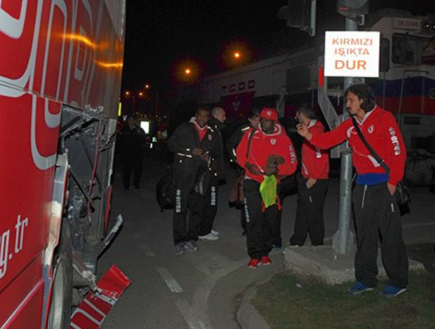 Samsunspor acidente ônibus (Foto: Divulgação/Site Oficial Samsunspor  )