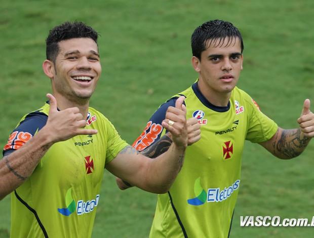 Nilton e Fagner Vasco (Foto: Marcelo Sadio / Site oficial Vasco da Gama)