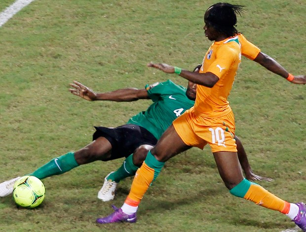 musonda costa do marfim x zambia (Foto: Reuters)
