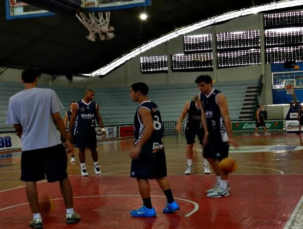 ùltimo treino do Uberlândia antes de enfrentar o Pinheiros (Foto: Andréia Candido/GLOBOESPORTE.COM)