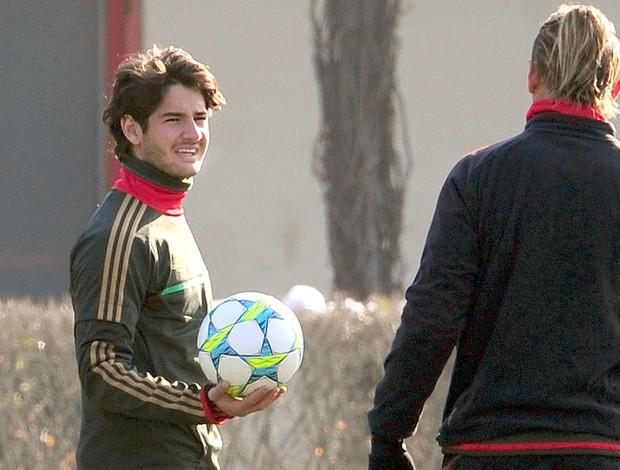 Pato no treino do Milan (Foto: AFP)