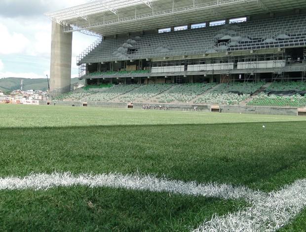 Independência, gramado em boa condição (Foto: Tarcísio Badaró / Globoesporte.com)