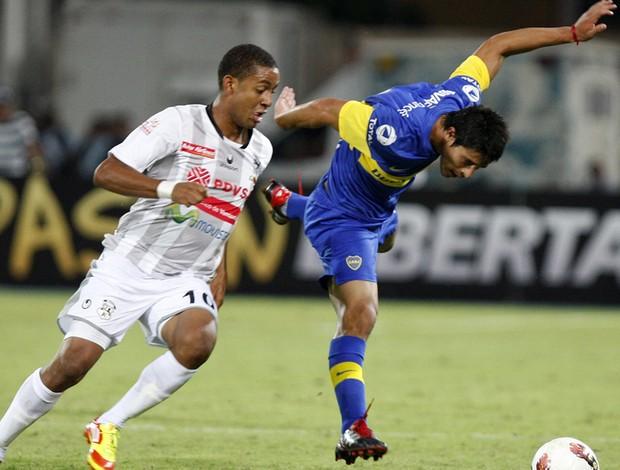 Gabriel Torres e Facundo Sebastian Boca Juniors (Foto: EFE)
