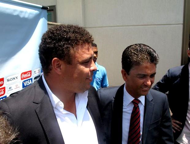 Ronaldo bebeto col  (Foto: Márcio Iannacca / Globoesporte.com)