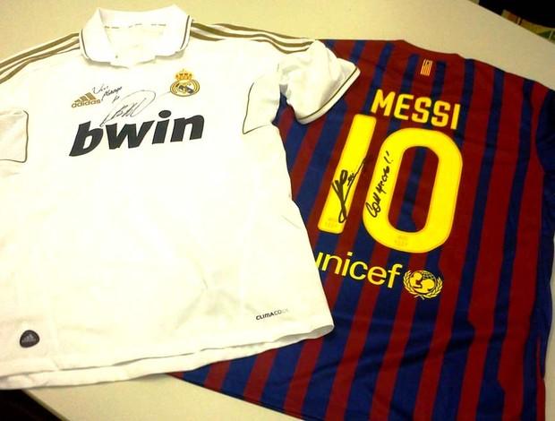 camisa kaká real madrid messi barcelona leilão (Foto: http://www.inteligemcia.com.br)