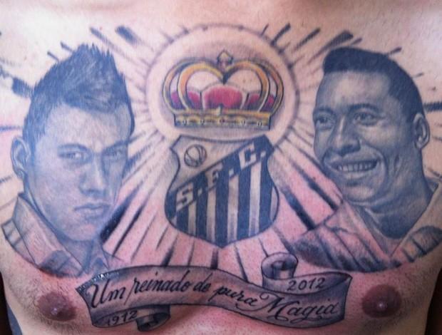 tatuagem bizarra de Neymar e Pelé (Foto: Marcelo Hazan)