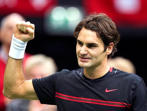 Roger Federer comemora vitória sobre Davydenko na Holanda (Foto: Reuters)