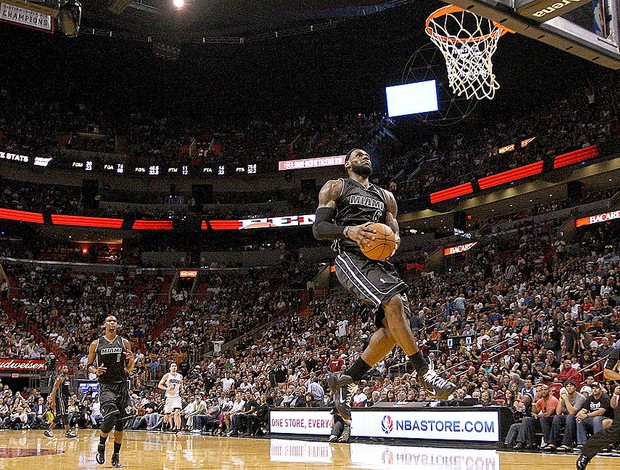 LeBron James no jogo do Miami contra Orlando NBA (Foto: Getty Images)