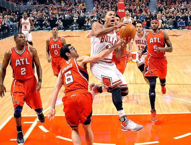 Derrick Rose no jogo do Chicado contra Atlanta NBA (Foto: AP)