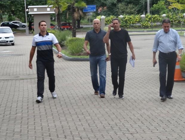 Vanderlei Luxemburgo chegada técnico Grêmio hotel (Foto: Tomás Hammes/GLOBOESPORTE.COM)