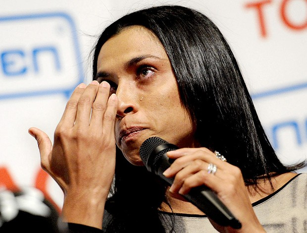 Marta chorando durante apresentação no Tyreso (Foto: EFE)