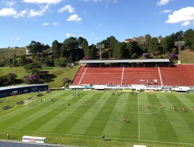 Com a vitória deste sábado, o Tupi marcou os primeiros pontos no Estadual  (Foto: Camila Saenz / GLOBOESPORTE.COM)