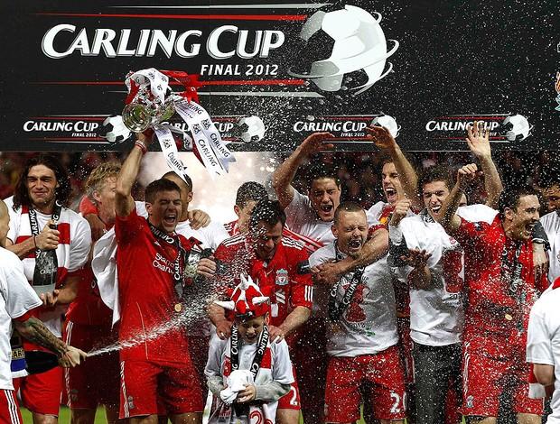 jogadores liverpool campeão copa da Inglaterra (Foto: Agência Reuters)