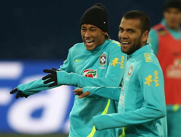 neymar daniel alves seleção brasileira   (Foto: Mowa Press)