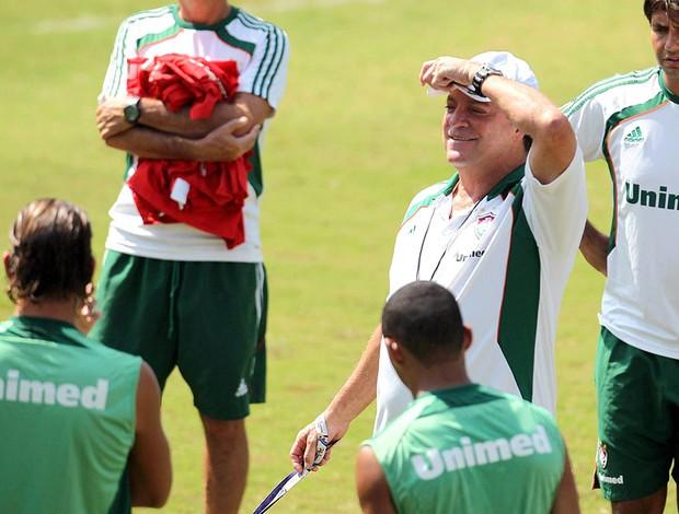Abel Braga no treino do Fluminense (Foto: Jorge Wiliam / Agência O Globo)