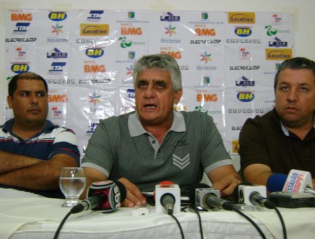 José Ângelo, novo técnico do Nacional-MG (Foto: Thiago Carvalho)