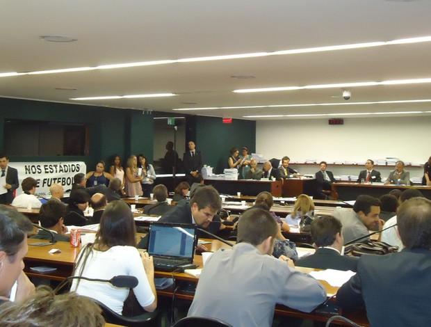 sessão lei geral da copa (Foto: Marcelo Parreira / GLOBOESPORTE.COM)