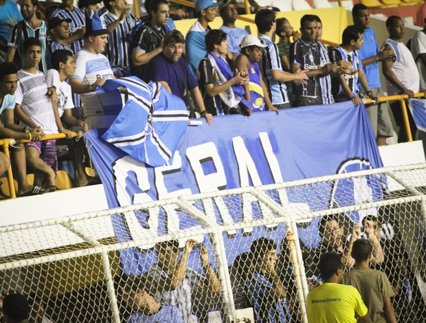 Grêmio reconhece gramado do Batistão (03) Torcida (Foto: Filippe Araujo/GLOBOESPORTE.COM)