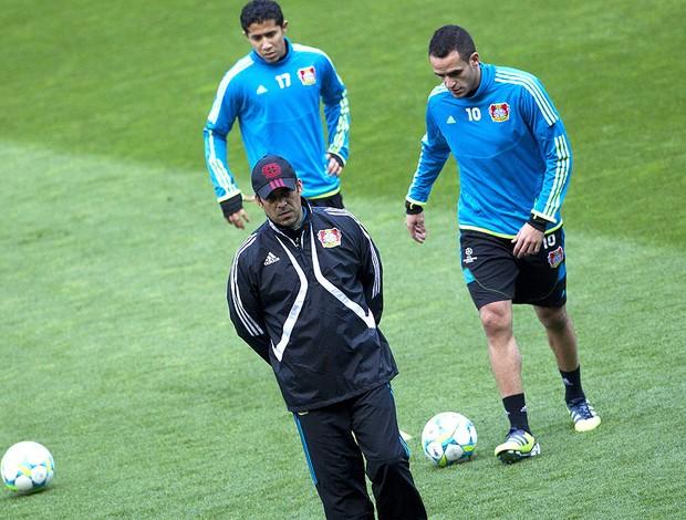 Renato Augusto no treino do Bayern Leverkusen (Foto: EFE)