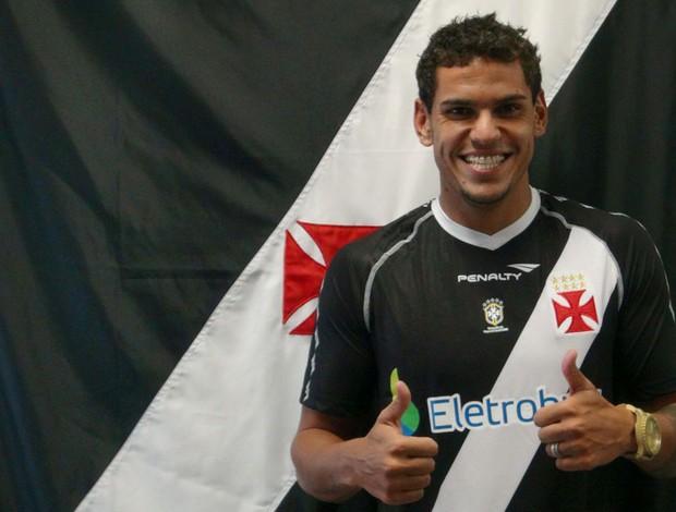 Zagueiro Fabrício do Vasco (Foto: Gustavo Guimarães / Site Oficial do Vasco)