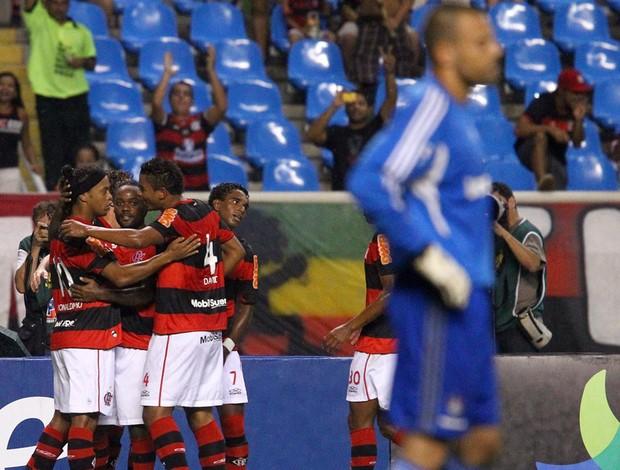 jogadores gol Flamengo (Foto: Iivo Gonzalez / O Globo)