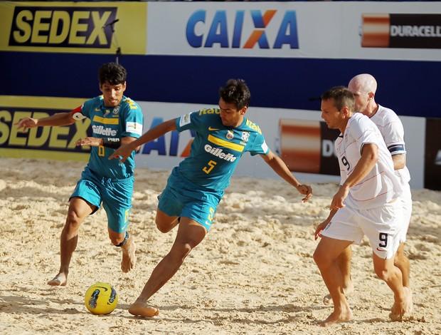 Bruno Malias Copa América de futebol de areia em Rio Quente Goiás (Foto: Divulgação/CBBS)