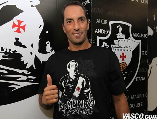 Camisas comemorativas Edmundo  (Foto: Divulgação / Site Oficial do Vasco)