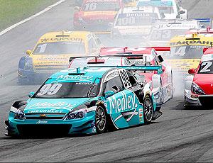 Stock Car: confusão de carros na pista