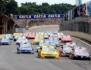 Stock Car: carros participam da largada em Interlagos (Foto: Fernanda Freixosa)