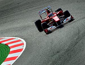 Alonso no treino livre da Espanha
