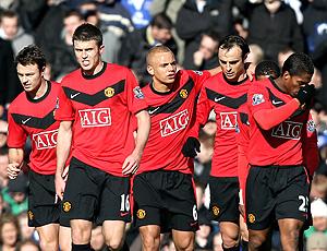 Jogadores comemoram gol do Manchester United