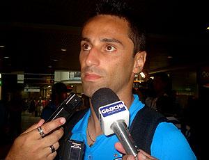 Jonas, do Grêmio,  concede entrevista