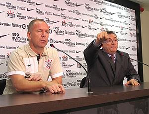 Mano Menezes, em entrevista coletiva