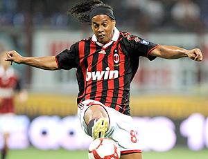 Ronaldinho Gaúcho durante jogo do Milan