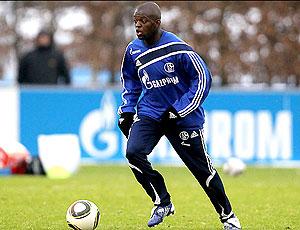 Zé Roberto no treino do Schalke 04