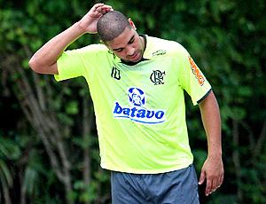 Adriano durante o treino do Flamengo