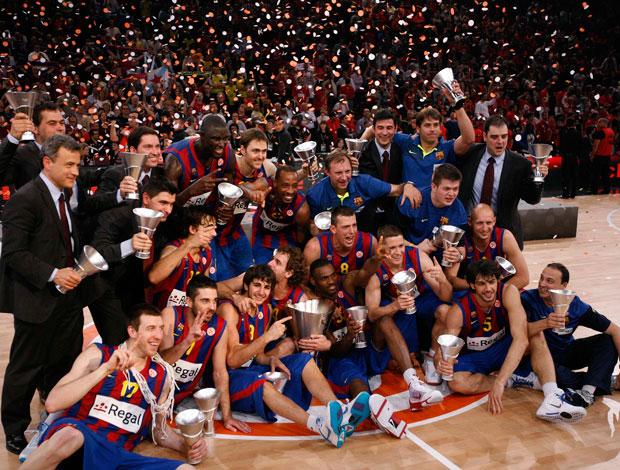 Jogadores do Barcelona comemoram título da Euroliga