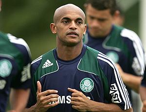 Ewerthon no treino do Palmeiras