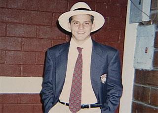 Julio Cesar, jovem, com traje da seleção brasileira