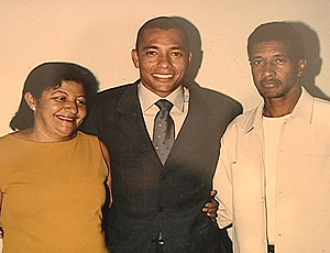Gilberto Silva e seus pais