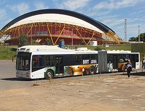 ônibus da FIFA na vistoria do Estádio Verdão