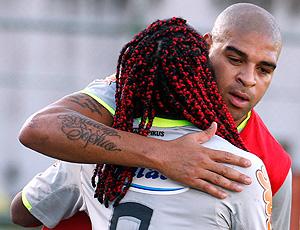 Adriano e Vagner Love, treino do Flamengo