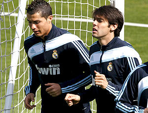 Kaká e Cristiano Ronaldo no treino do Real Madrid