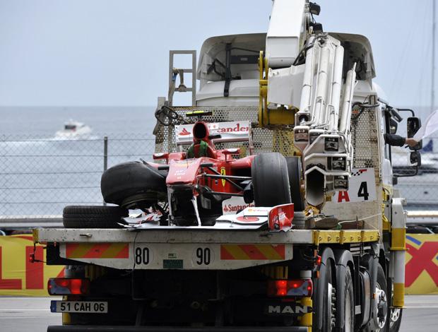 Alonso quebra o carro no treino em Mônaco
