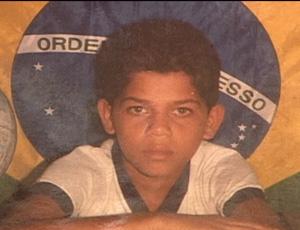Daniel Alves, escola
