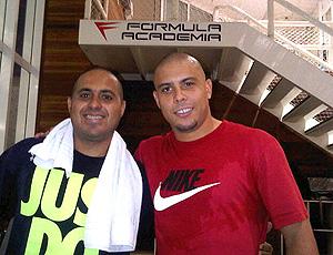 Ronaldo e fisioterapeuta do Timão