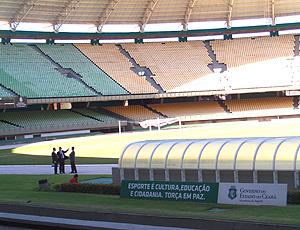 comitiva da FIFA visita o estádio Castelão